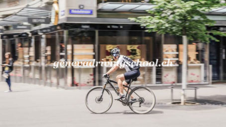 Swiss MPs want cyclists to systematically lose driving licences for rule breaking